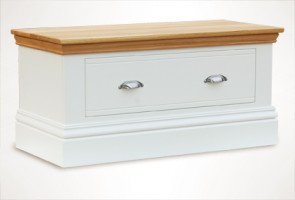 New England Small Blanket Chest
